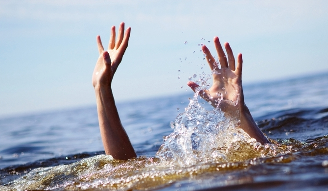 3 youths drown while sea bathing