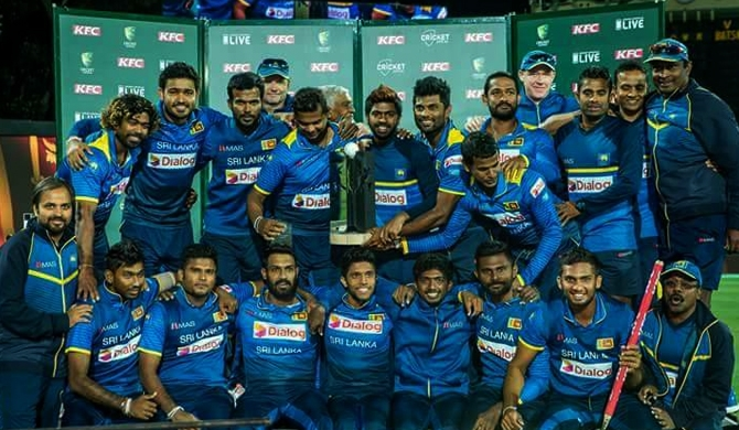 Victorious Sri Lankan team to return tonight