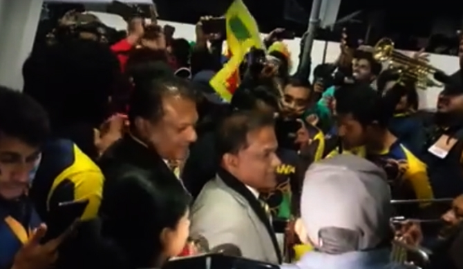Thilanga joins cricket celebrations! (Video)