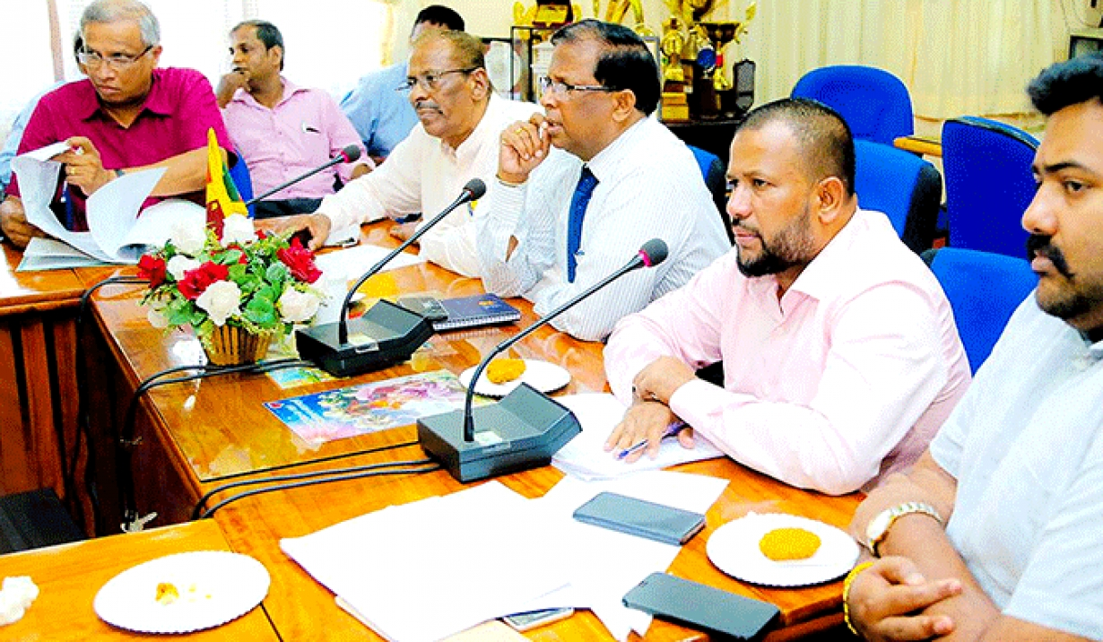 Industry minister says Jaffna Muslim IDP crisis a