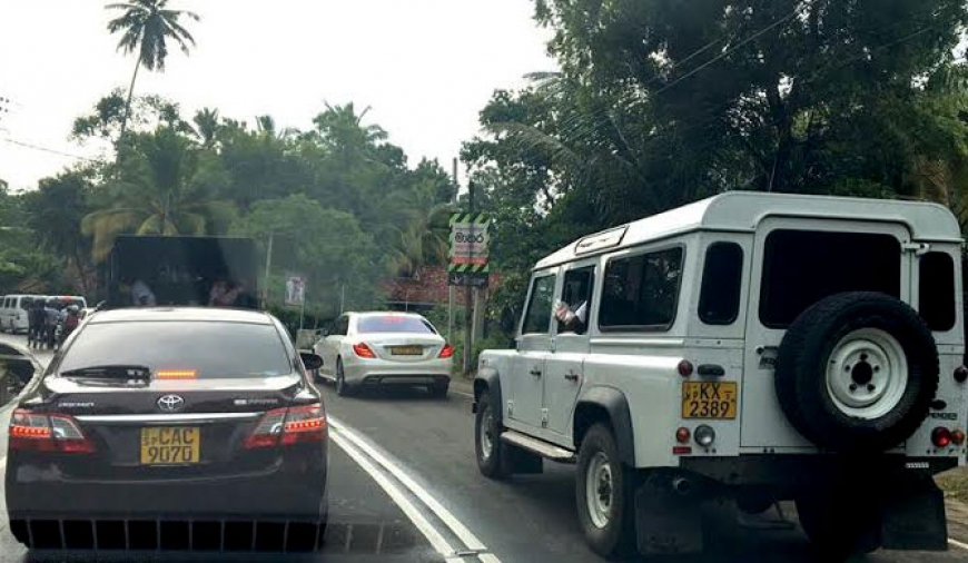 MR's motorcade breaks Maithri's rules