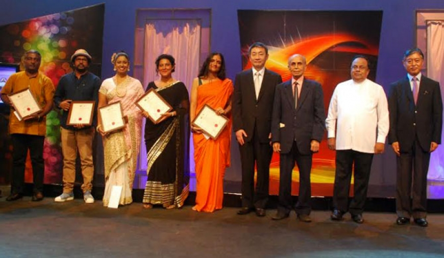 5 Lankan artistes felicitated at Bunka Awards