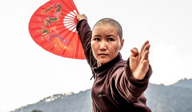 Kung Fu nuns of Kathmandu (Video)