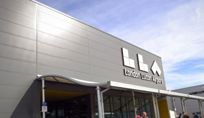4 Lankans arrested at Luton Airport