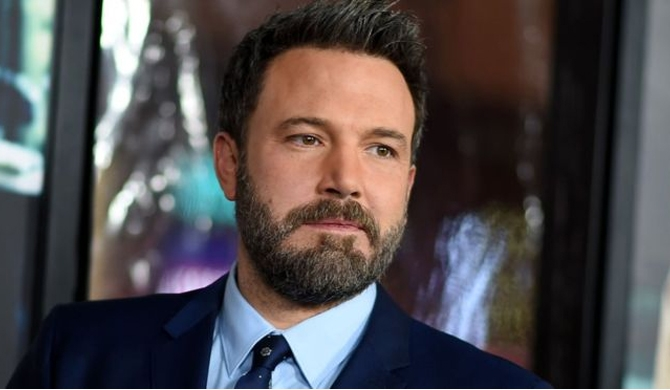 Ben Affleck apologises for 'groping'