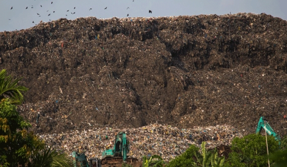 Rs. 190m rent on equipment to flatten garbage dump