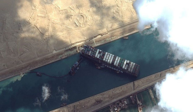 Stranded Suez container ship freed from shoreline