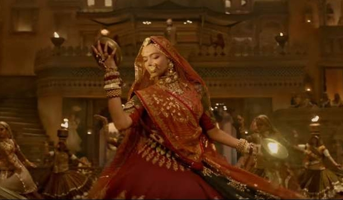 Padmavati's 'Ghoomar' goes viral (Video)