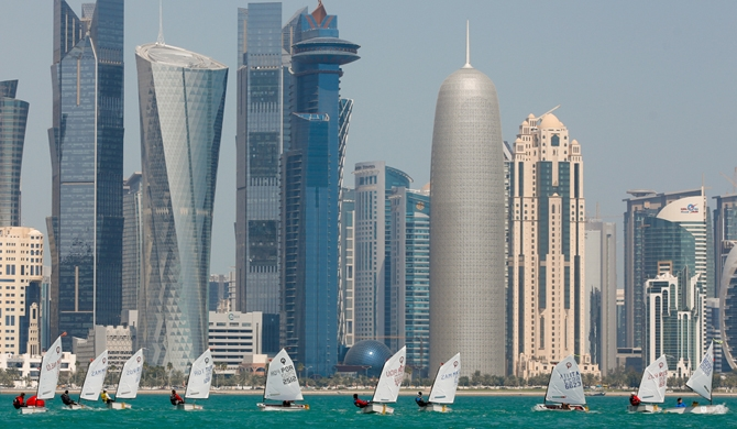 5 countries cut links with Qatar