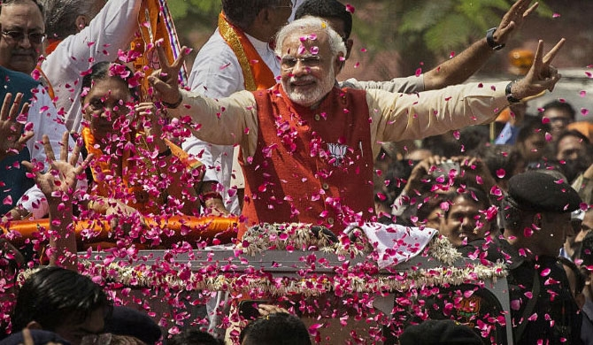 Modi thanks voters for 'historic mandate'