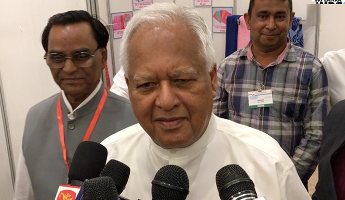 Ask astrologers about changes to Finance ministry - Amunugama (Video)