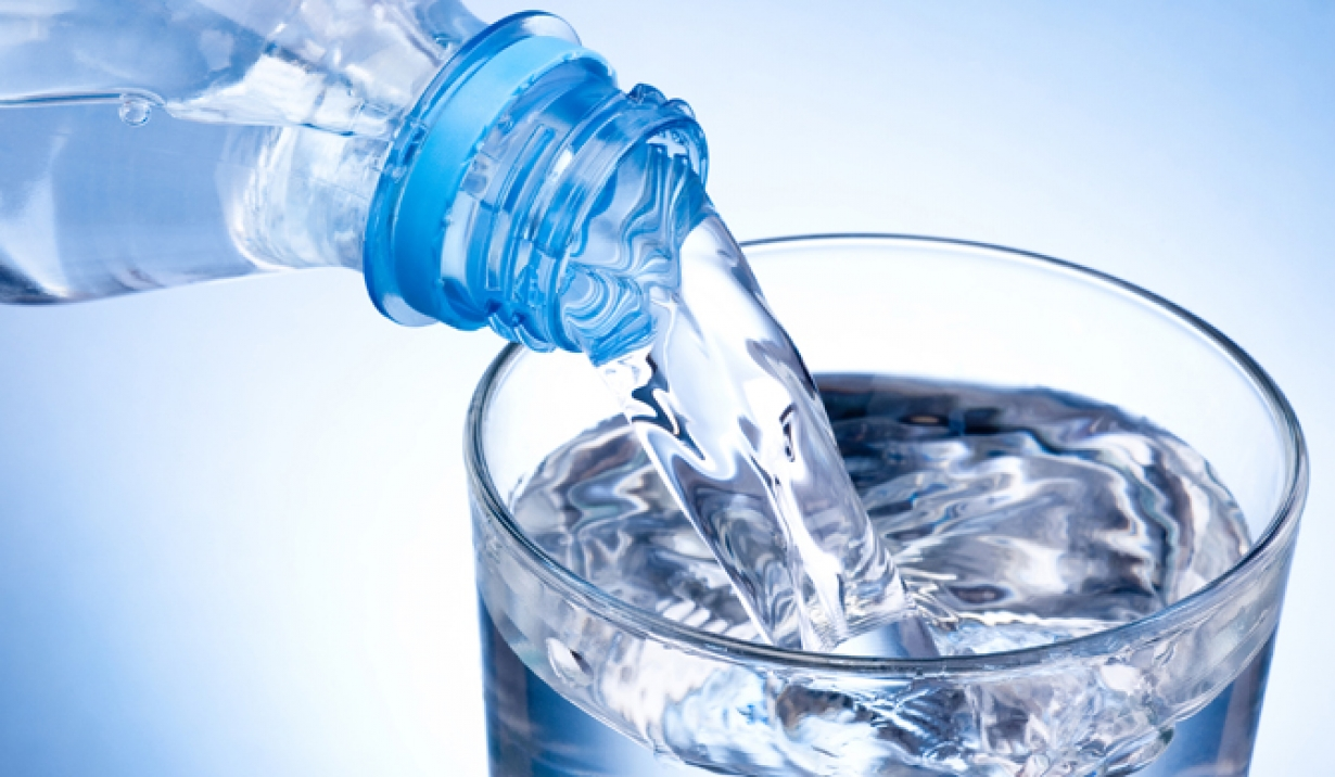how to drink 2 litres of water a day