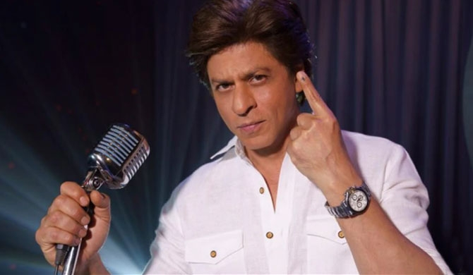 SRK raps, asking to vote (Video)