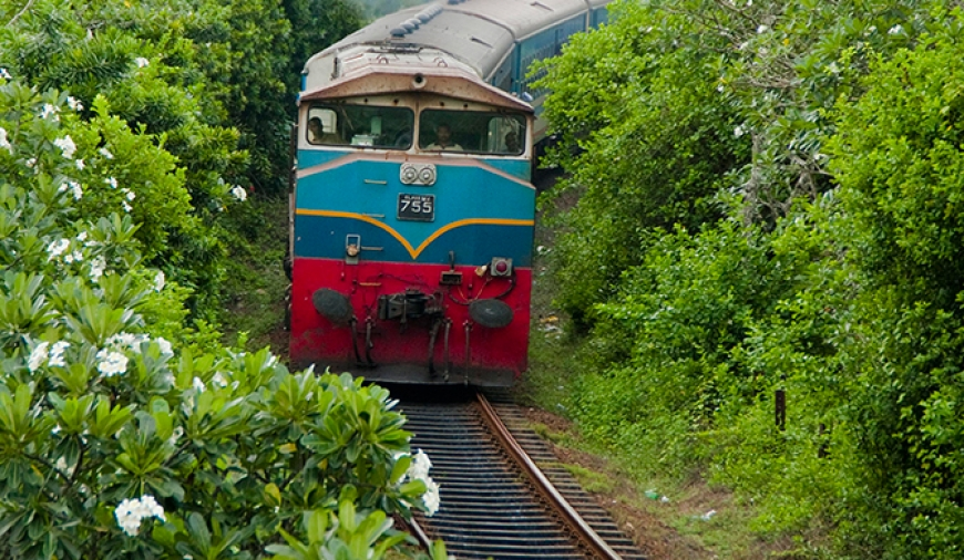 Villager runs one mile and averts train disaster