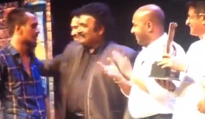 Duminda, Udaya brushed off by young artistes (Video)