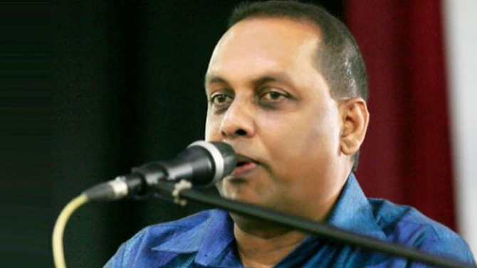Amaraweera alleges Basil met UNP minister to plot to kill president