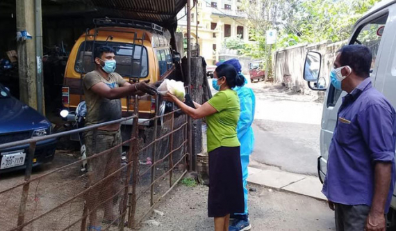 Public anger over veggie bag distributed by Matale dy. mayor