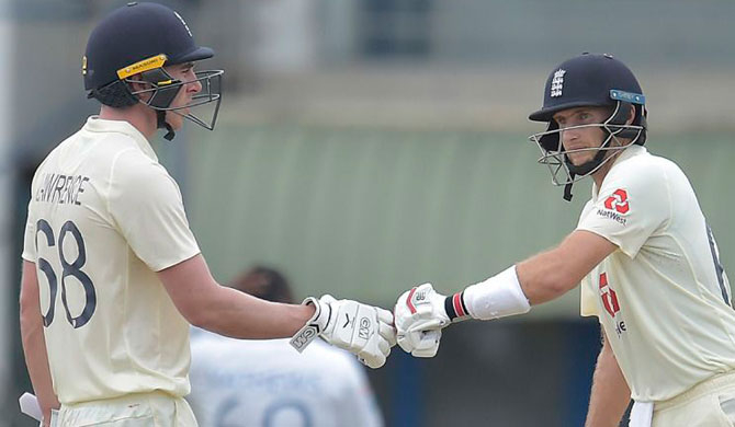 England defeats SL by 7 wickets