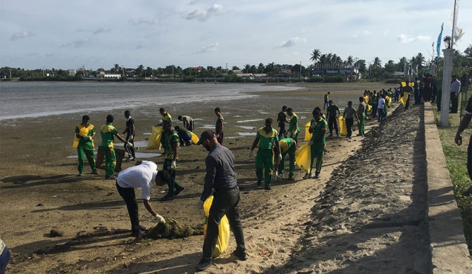 Tokyo Cement joins MEPA's coastal cleanup campaign