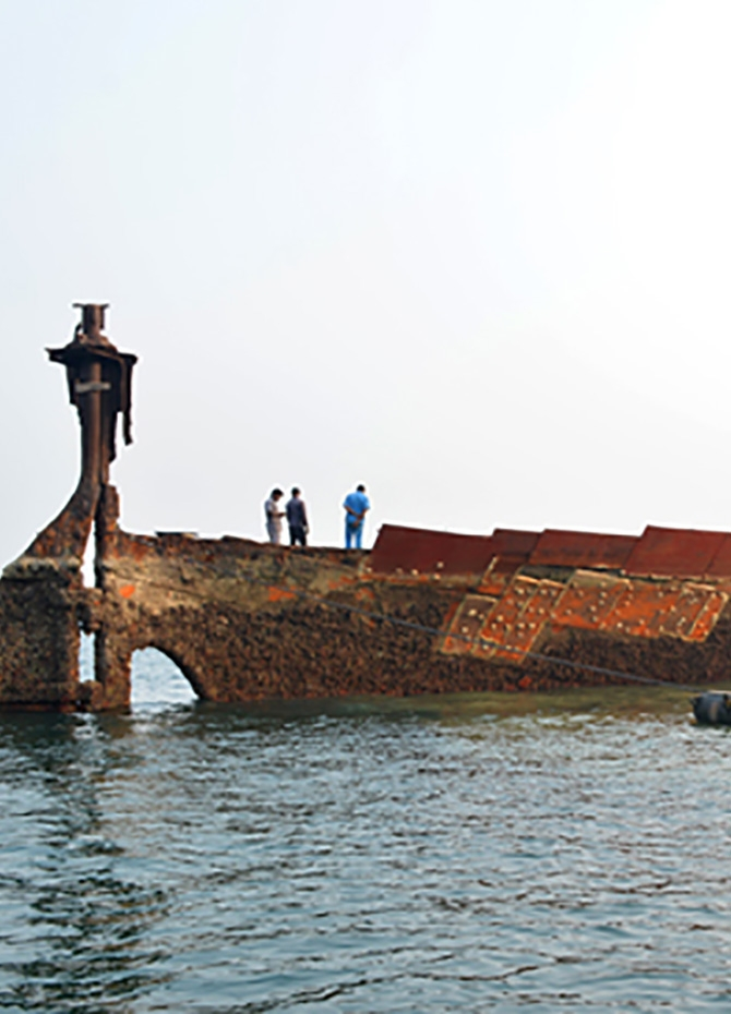 Navy salvages HMNS SS Sagaing sank during WW II (Pics)