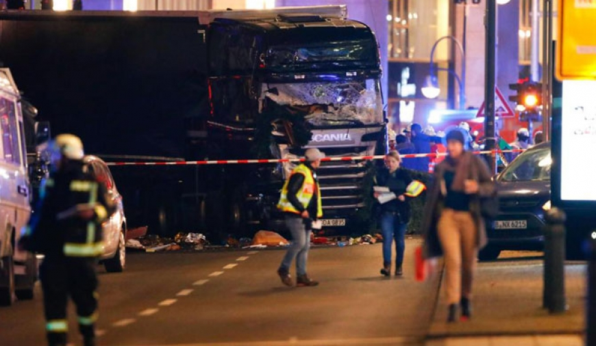 Tragedy strikes Berlin Christmas market