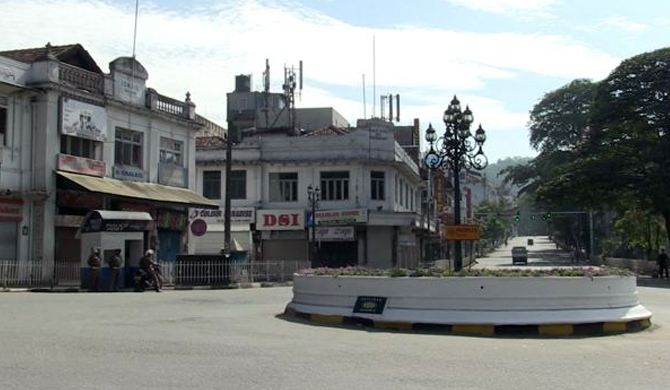 Kandy calm: Curfew re-enforced from 6 pm