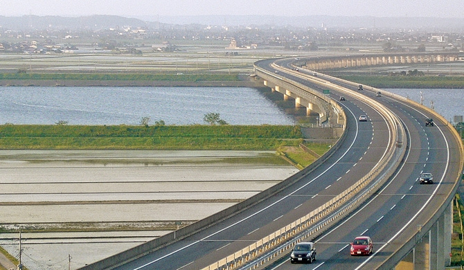 China approves USD 1 billion loan for Central Expressway