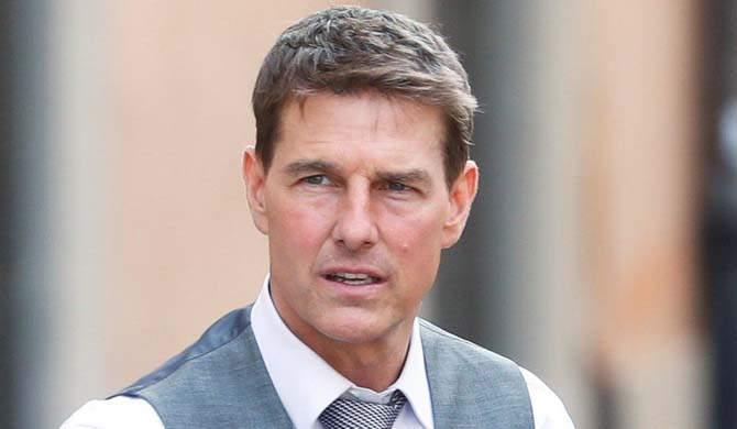 Tom Cruise shouts at film crew over Covid safety