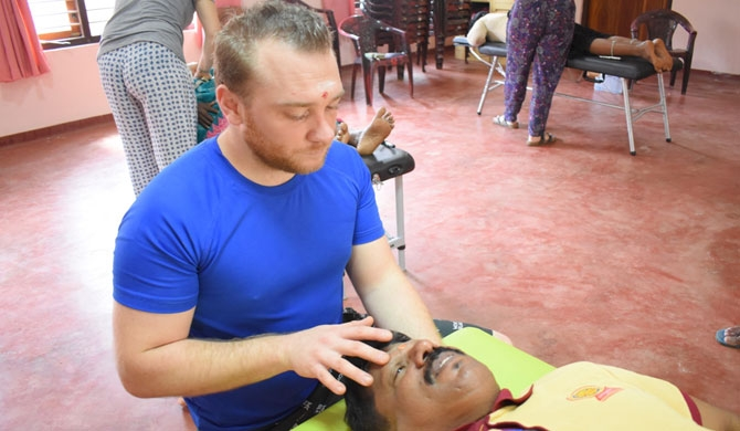 French doctors conduct clinic in Vavuniya (photos)