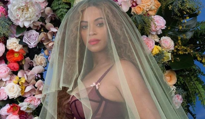 Beyonce expecting twins