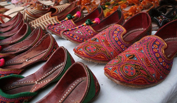 Indian Footwear Company invades Sri Lanka hitting local industry